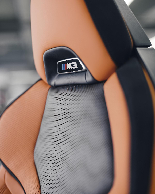 Name:  P90407151_highRes_carbon-bucket-seat-o.jpg Views: 10455 Size:  965.6 KB